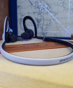 tai-nghe-bluetooth-plantronics-backbeat-fit-08
